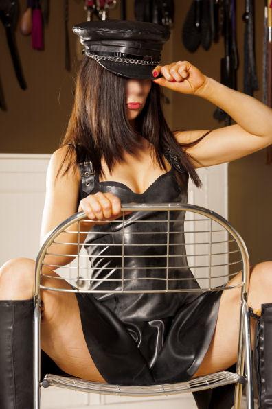 Mistress Lauren